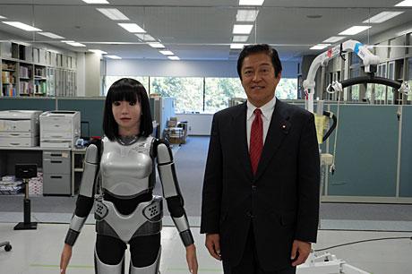 ロボットと