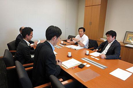 2015_07_29_内閣官房レク