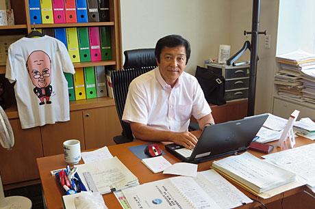 2015_08_18_国会事務所にて