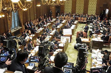 2016_01_08_予算委員会傍聴